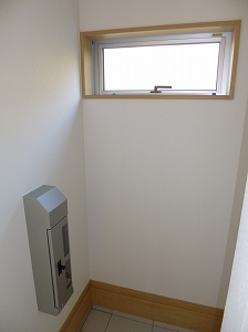 外壁埋め込みポストで郵便物は室内から受取可能